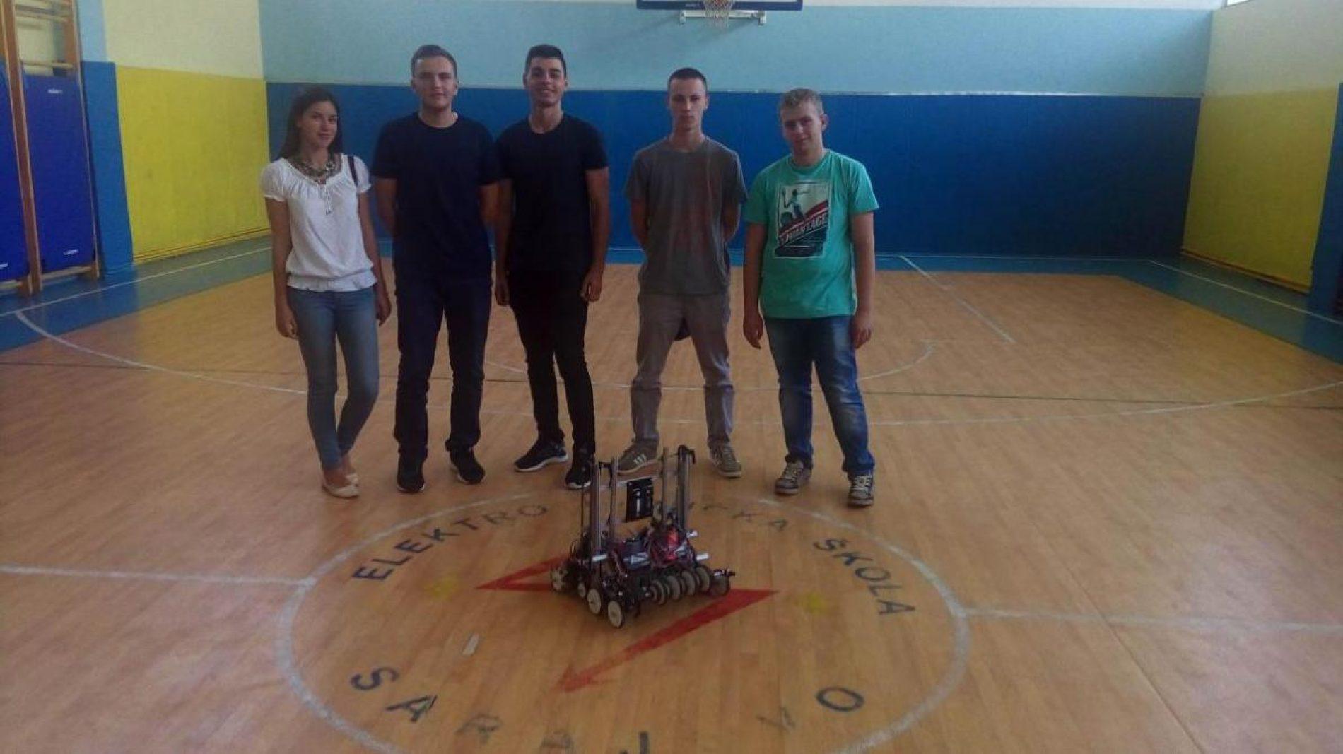 Učenici sarajevske Elektrotehničke škole spremni za takmičenje u Americi: Pogledajte robota kojeg su napravili