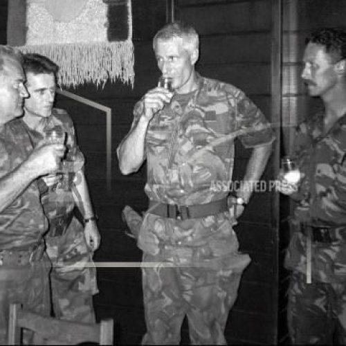 Presuda u vezi genocida u Srebrenici: Holandija odgovorna za smrt muškaraca koji su se nalazili unutar UN-ove baze