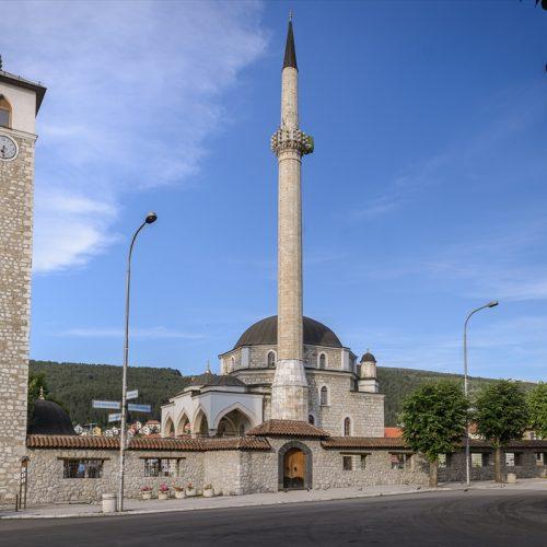 Pljevlja: Husein-pašina džamija; po svojoj tradiciji, unutrašnjem bogatstvu, spada u red najznačajnijih islamskih objekata na Balkanu