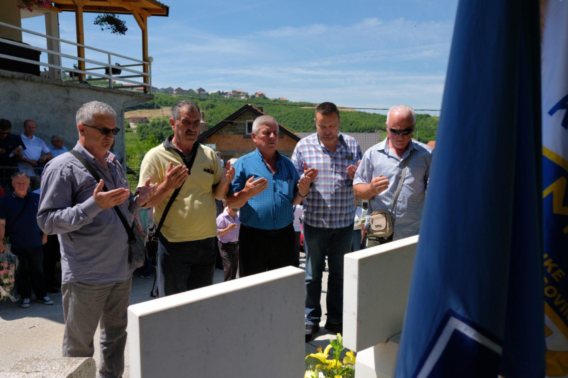 Obilježena godišnjica bitke za oslobađanje Mijatovića kose: Sjećanje na ratnog heroja Safeta Isovića i njegove saborce