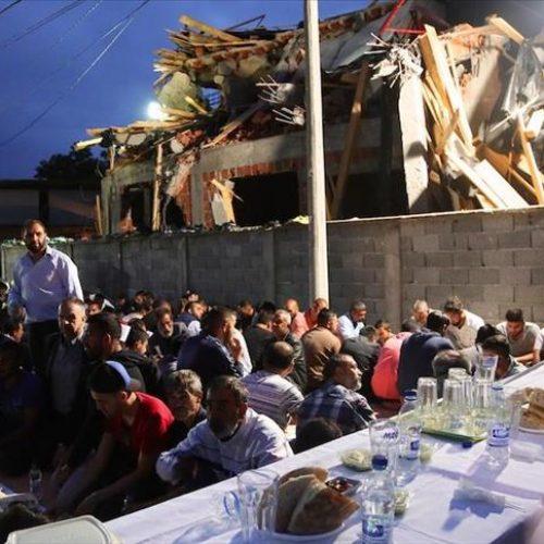 U organizaciji bosanskog Merhameta: Održan iftar kod porušene džamije u Zemun Polju