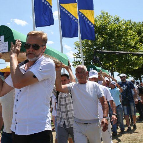 U Memorijalnom centru u Potočarima obavljena dženaza i ukop 71 žrtve srebreničkog genocida