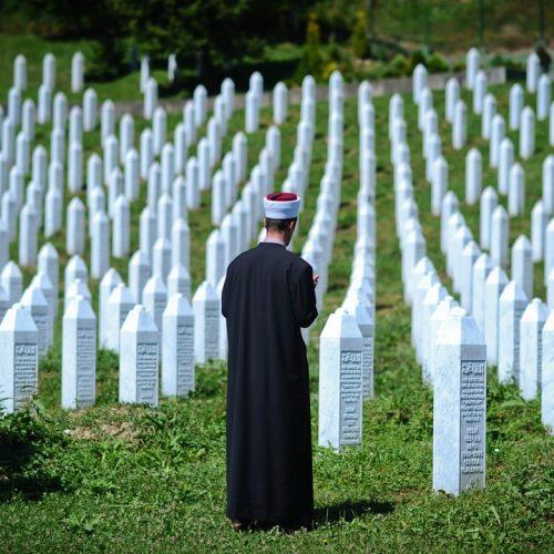 SJEĆANJE NA GENOCID: Fotografija iz Potočara među najboljim fotografijama po izboru britanskog Guardiana