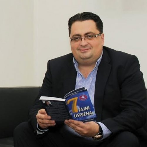 """Kenan Crnkić dobitnik američke književne nagrade """"Bookvana 2017"""""""
