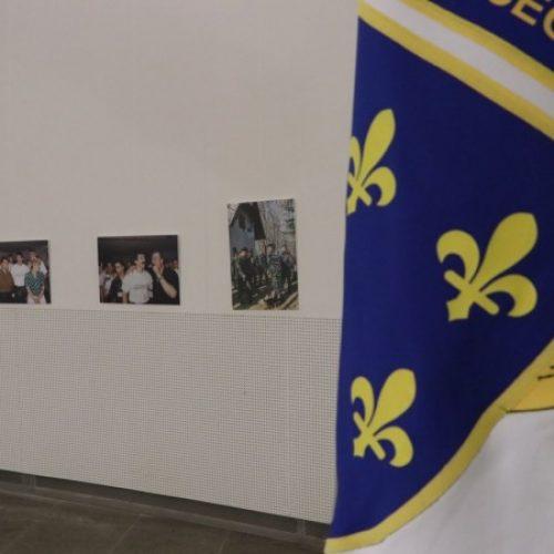 Otvorena izložba 'Prvi korpus Armije RBiH kroz ratnu fotografiju' (Foto/Video)