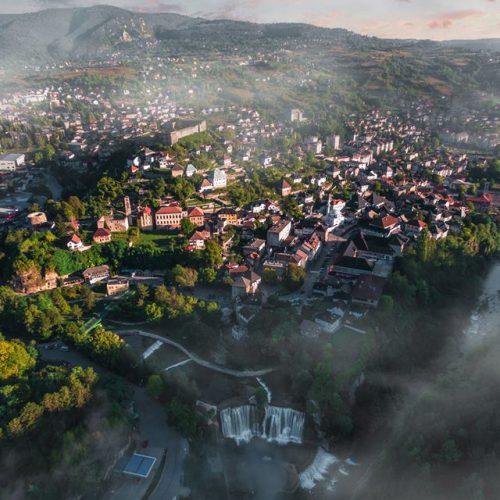 Kraljevski grad omiljena destinacija turista iz cijelog svijeta: Vodopad u Jajcu posjetilo više od 70.000 ljudi