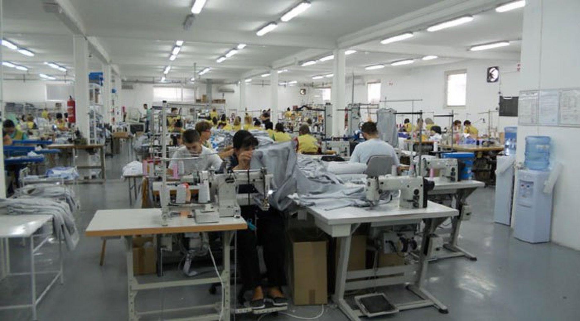 Firma iz Maglaja proizvodi 55.000 košulja za švicarsku vojsku