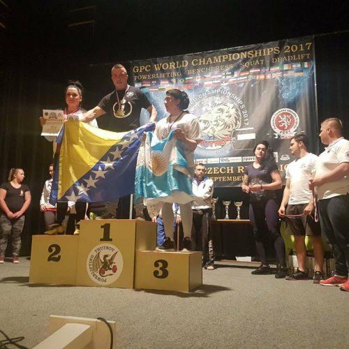Konjičanka Almira Lizde svjetska prvakinja u dizanju tegova