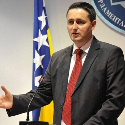 'Gledati i vjerovati u budućnost BiH; Shvatiti da su državni interesi važniji od uskostranačkih i ličnih'
