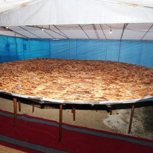 U Tuzli napravljen burek od 650 kilograma i porcija s 1.500 ćevapa