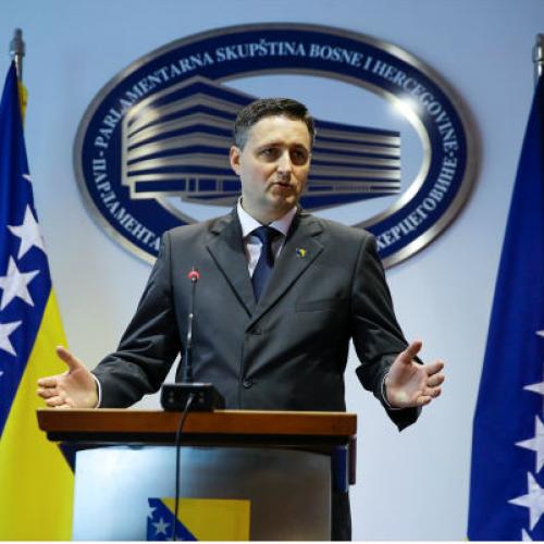 'Zašto vlast šutke prelazi preko stvaranja antidejtonskog i opasnog debalansa u naoružanju između Bosne i Hercegovine, Hrvatske i Srbije?!'