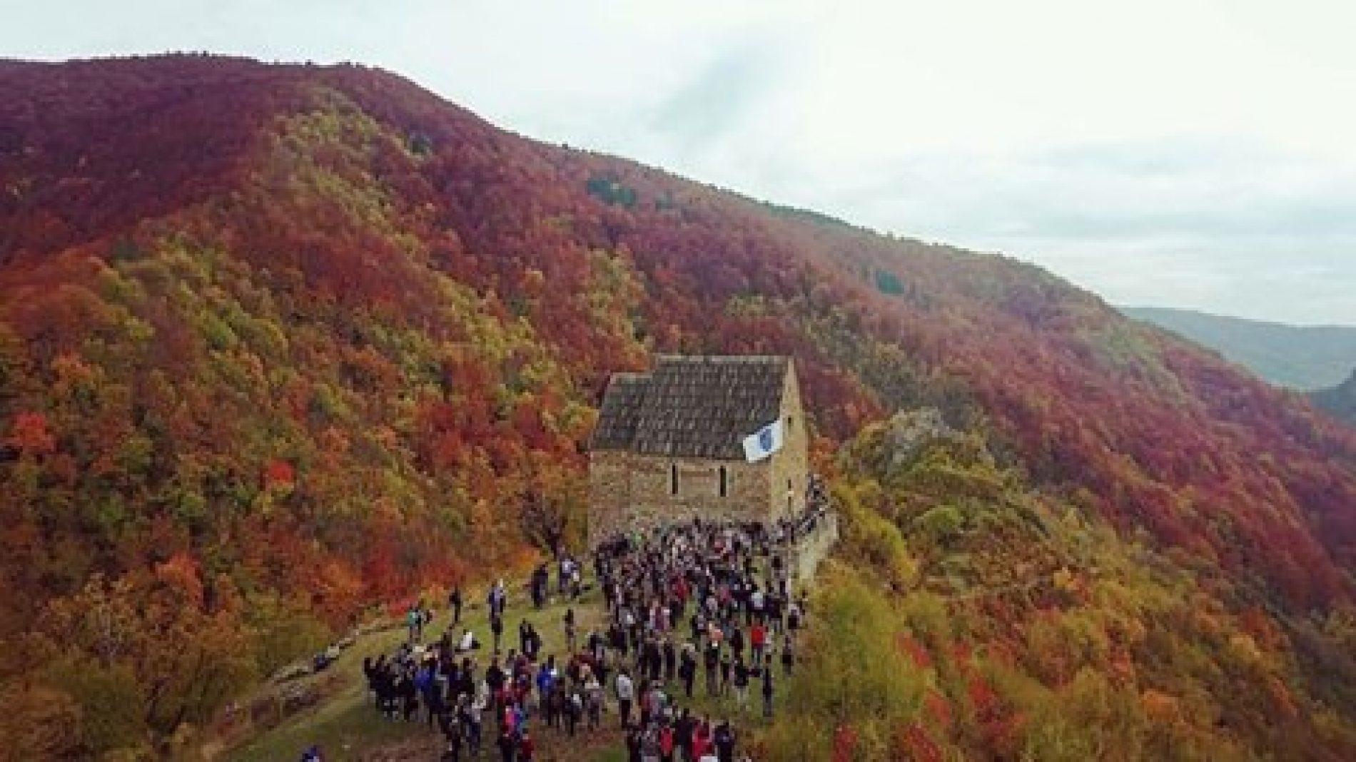 Studenti na bosanskom Kraljevskom gradu Bobovcu (VIDEO)