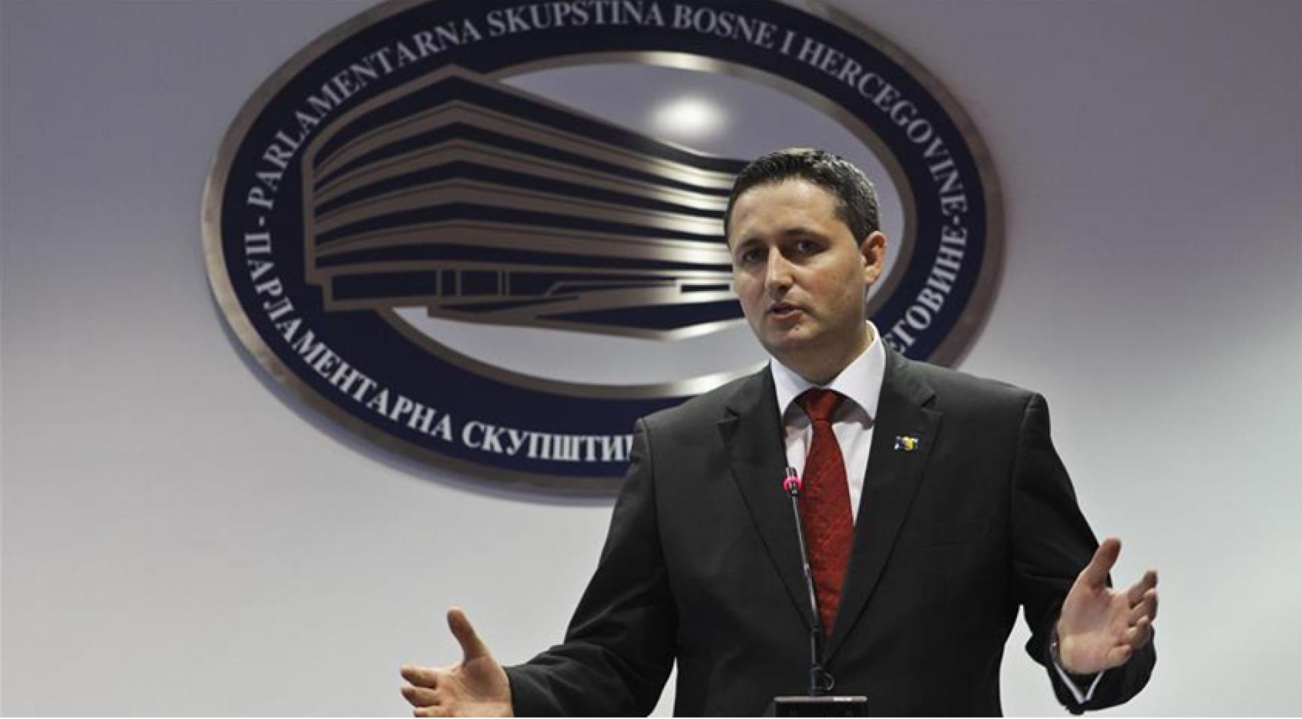 Bećirović: O ulasku u NATO odlučuje država, a ne manji entitet. Bosanska vanjska politika utvrđuje se u Sarajevu, a ne u Beogradu!