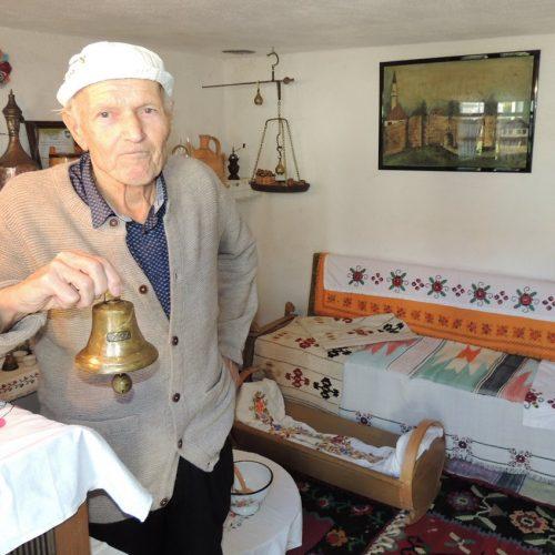 Mumin Bajrić krajišku historiju čuva u svom muzeju starina