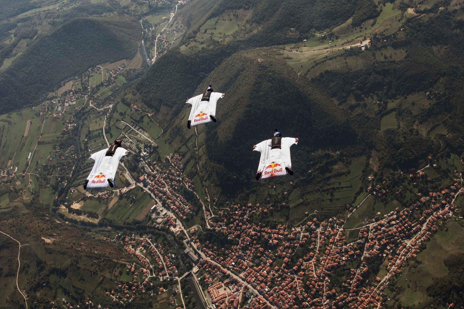 Red Bull Sky Dive tim: Let iznad piramida u Bosni!