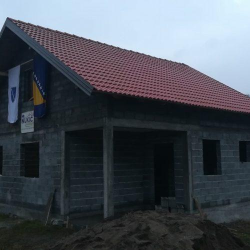 Zvornik: Komšije napravile kuću majci Vasviji koja je ostala bez tri sina u ratu