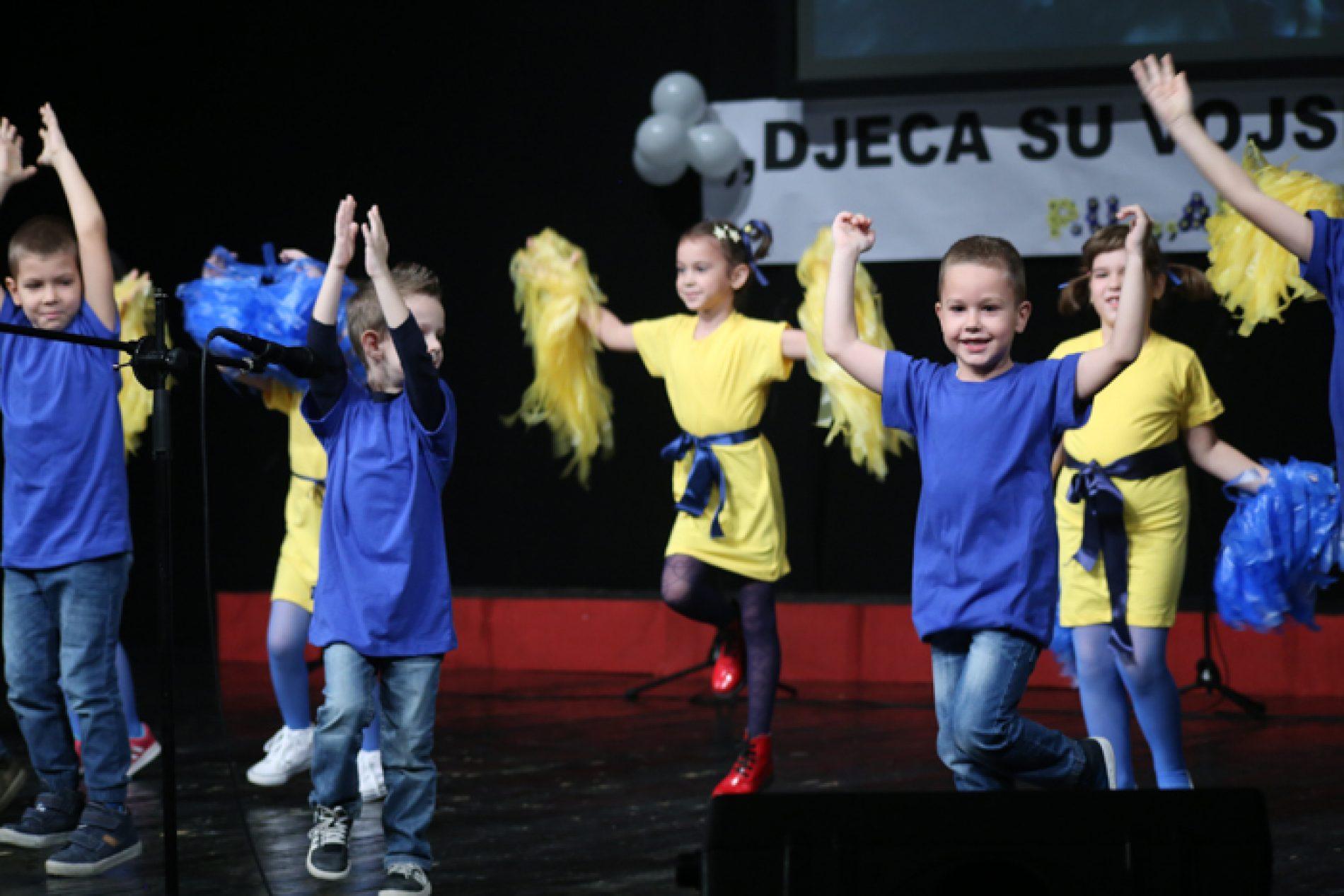 Tuzla: Svečanom priredbom u BKC-u mališani iz vrtića ˝Aladin˝ proslavili Dan državnosti Bosne i Hercegovine
