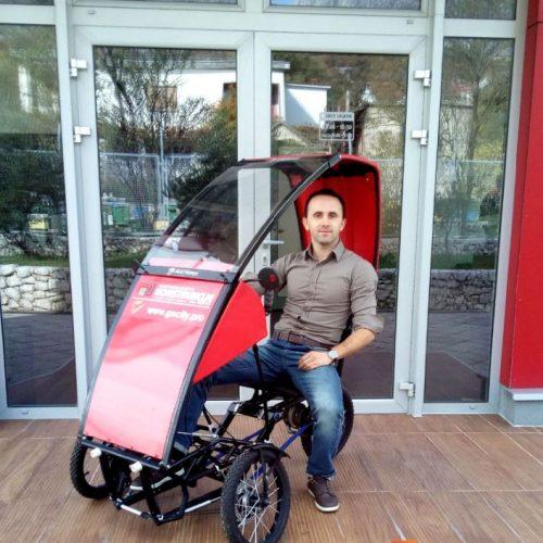 """Bosanske inovacije: """"GoCity"""" Elvisa Cere djelo je svjetskog kalibra. Napravio vozilo koje se može spakovati u kofer"""