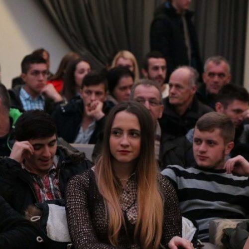 Fond 'Bošnjaci' dodijelio 196 stipendija (VIDEO)