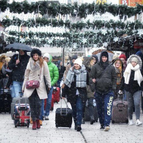 Turisti i regiona preplavili Sarajevo: 'Jako je lijepo. Nisam očekivala da je ovako veliko'