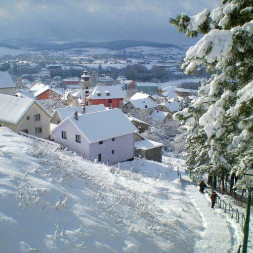 Zimska čarolija u Livnu, snijeg oblikovao prekrasne pejzaže