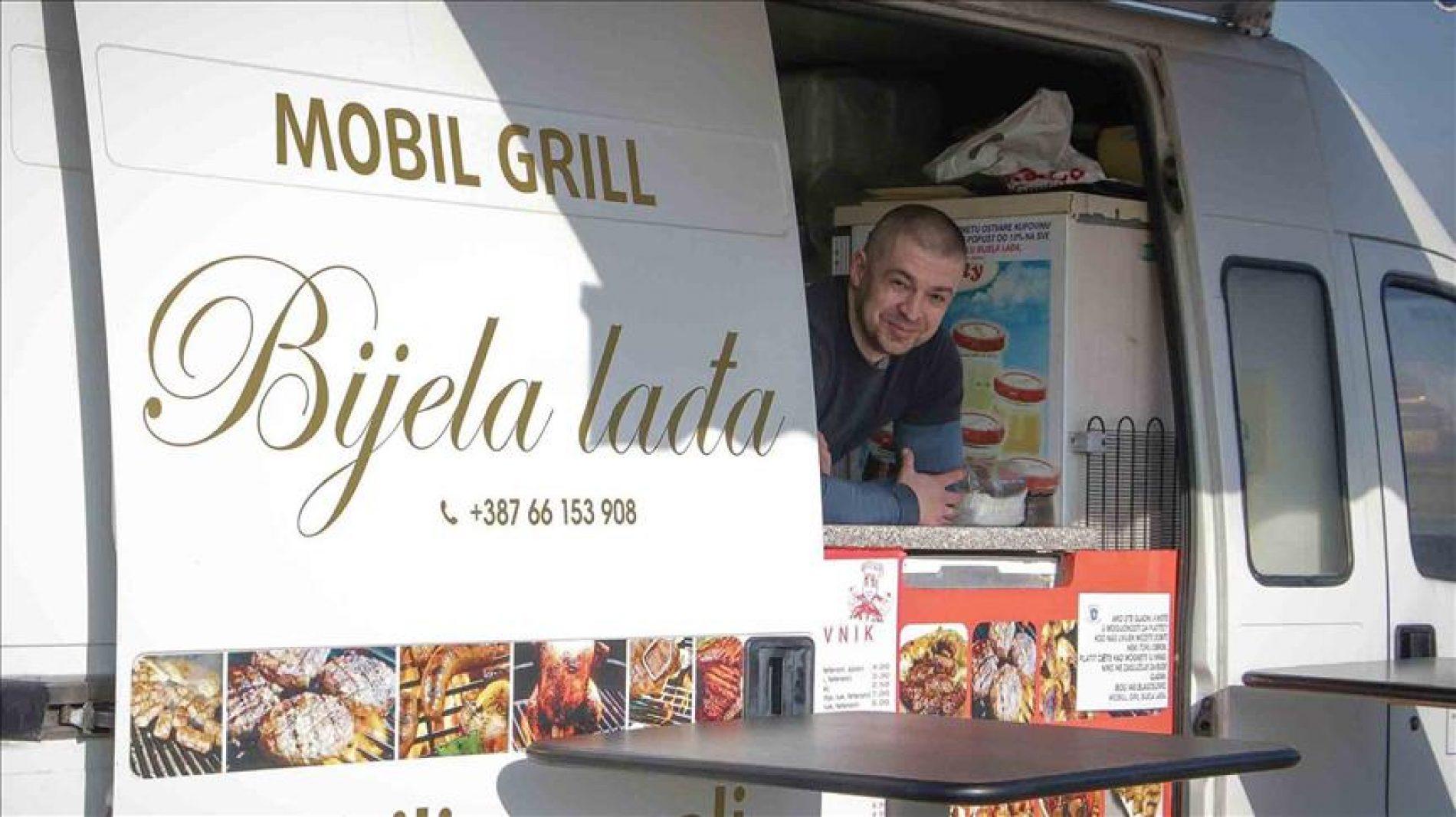 Boro Nišić iz Bosanske Gradiške sugrađanima dijeli besplatne obroke: Niko ne zaslužuje da bude gladan