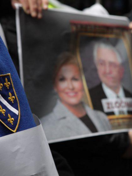 """Protesti u Sarajevu: """"NE tuđmanizaciji Bosne i Hercegovine i STOP ruskoj čizmi"""""""