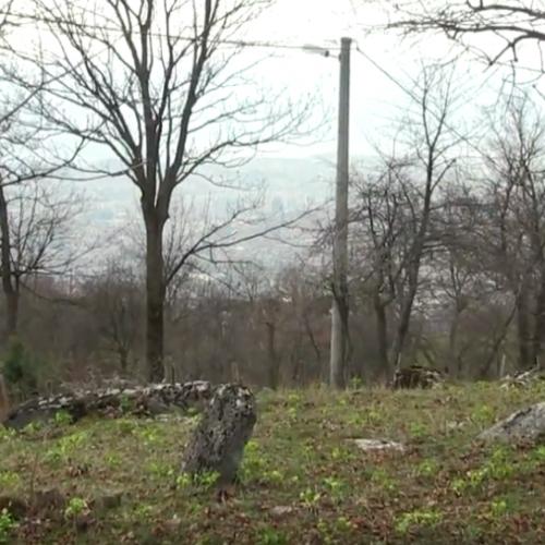 Zaboravljeni nacionalni spomenik: Stećak i staro muslimansko groblje u Mrkovićima (Video)