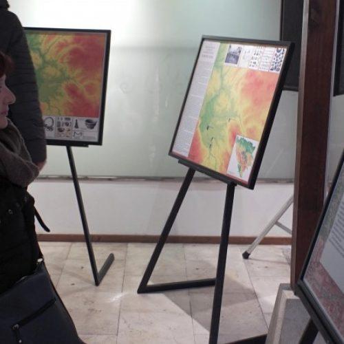 Dvije izložbe u Brusa bezistanu povodom Dana nezavisnosti BiH (VIDEO)