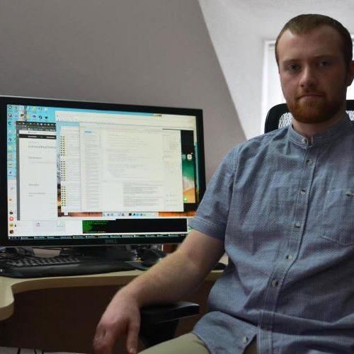 """Mladi Eniz Vuković iz Gradačca kreirao """"Closenger"""",  društvenu mrežu svjetskog nivoa"""