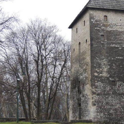 Bihaćka tvrđava – bedem na granici i ključ Bosne