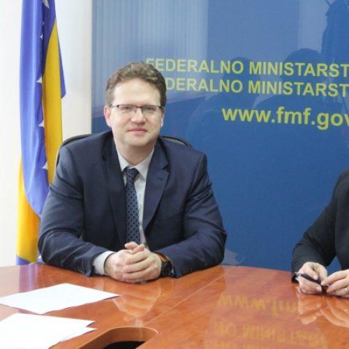 Vlada FBiH osigurala 10 miliona maraka za stambeno zbrinjavanje mladih