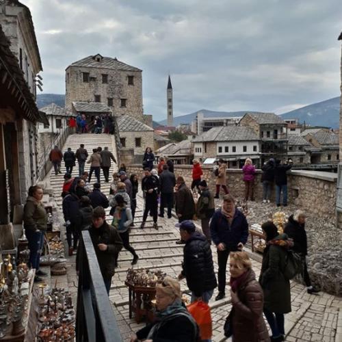 Turisti pohrlili u Mostar i prije očekivanog vremena