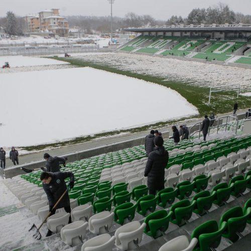 Domaćini čiste snijeg, fudbaleri Bosne i Hercegovine večeras protiv Bugarske