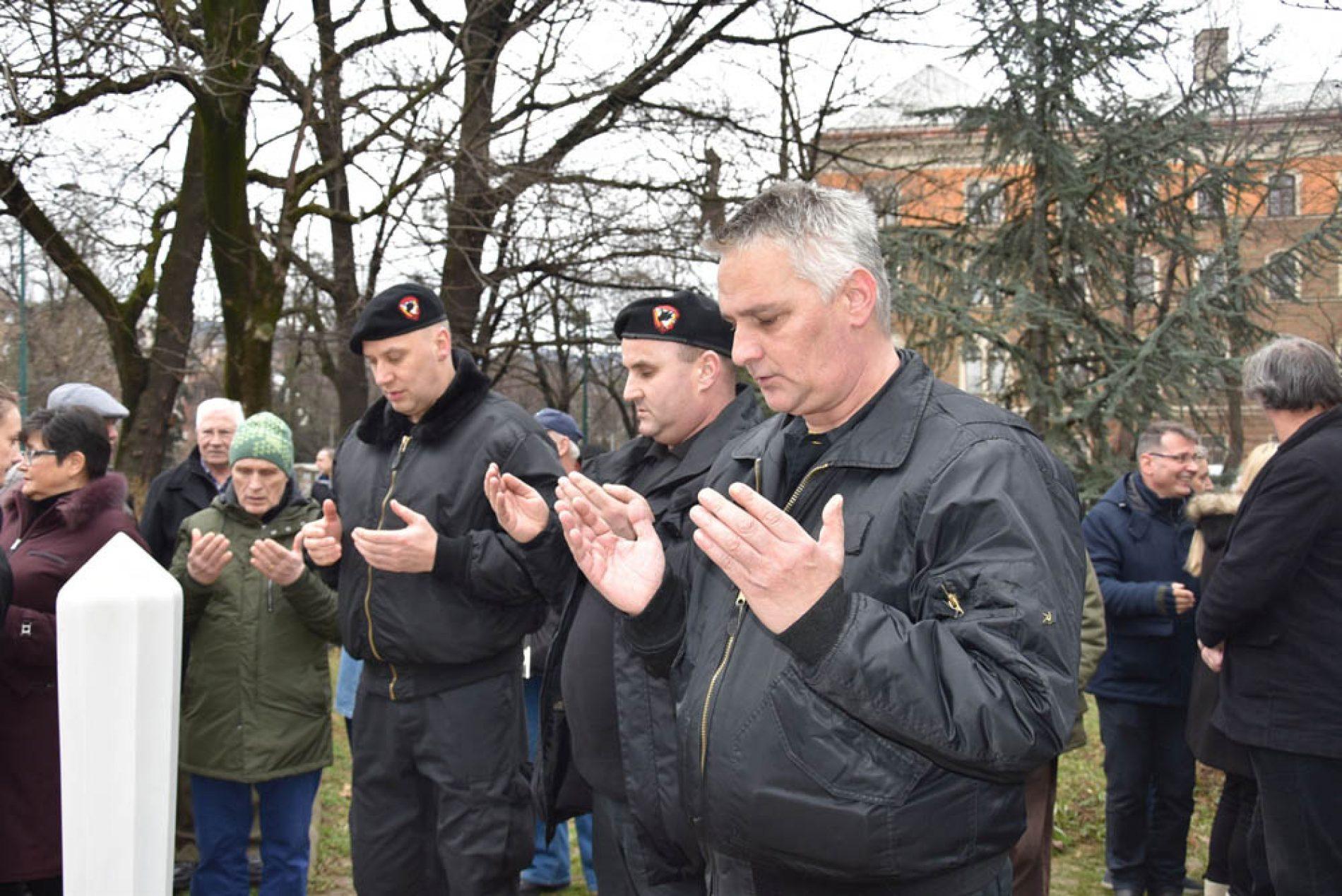 Odata počast heroju odbrane Sarajeva, generalu Mustafi Hajrulahoviću Talijanu