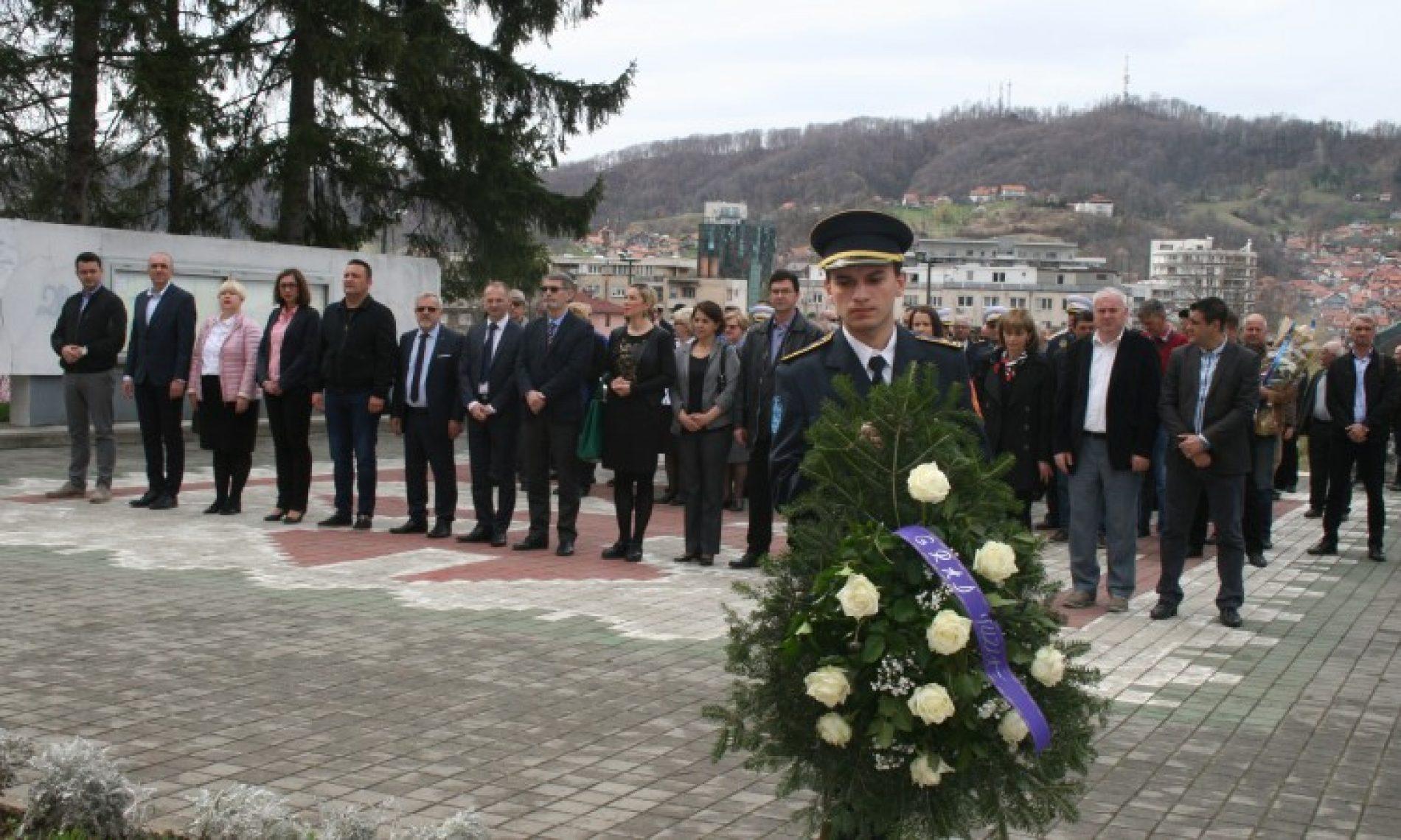 Tuzlaci se prisjećaju 4. aprila 1992., početka pružanja otpora agresiji na Bosnu i Hercegovinu