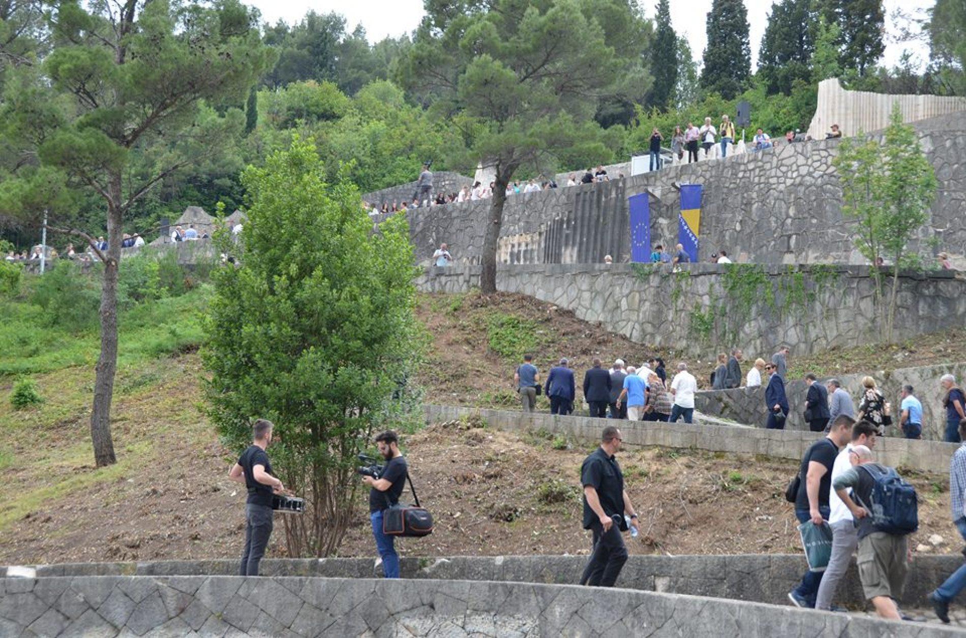 Svečanim otvaranjem obnovljenog Partizanskog groblja u Mostaru obilježen Dan pobjede nad fašizmom
