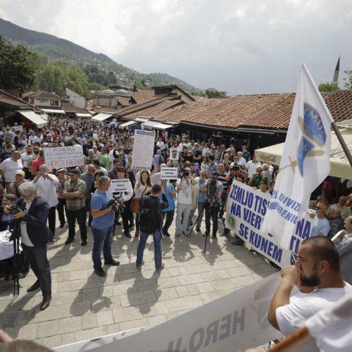 U Sarajevu održan miting podrške Dudakoviću: Čast odbrane niko ne može pogaziti