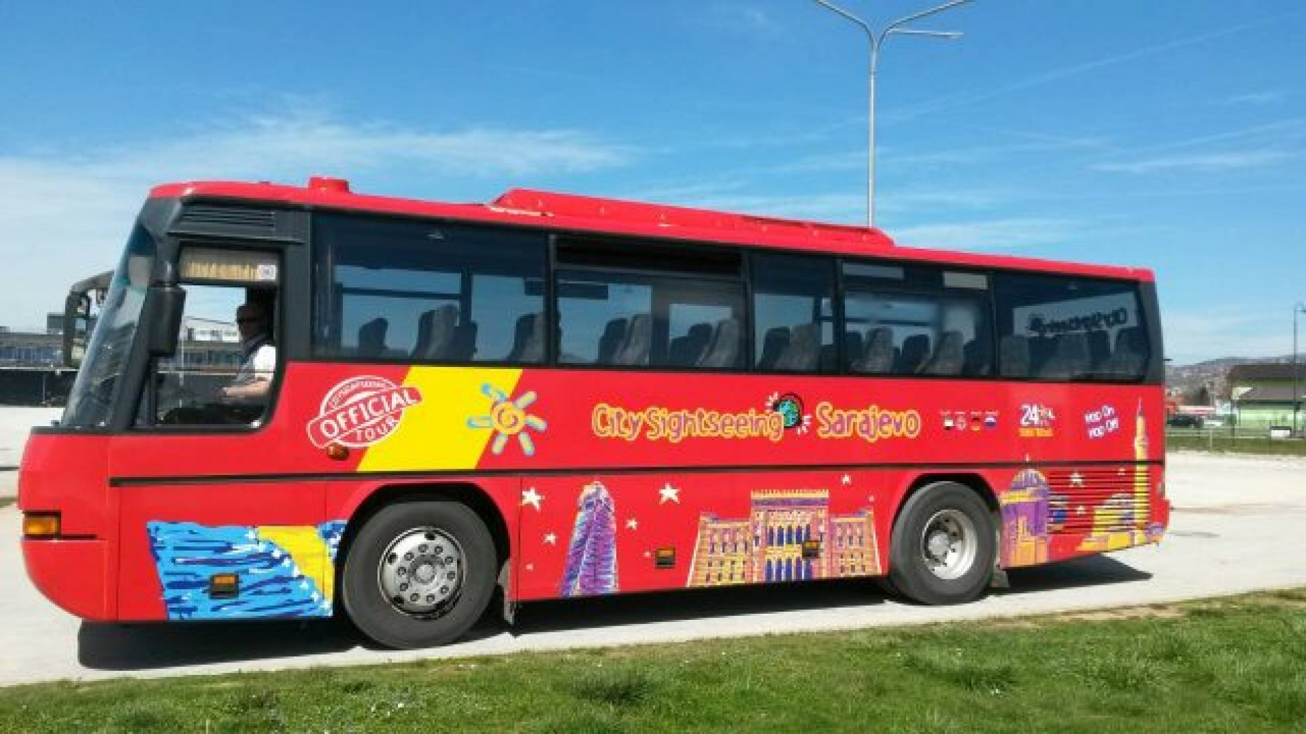 Novina na ulicama Sarajeva: City Sightseeing, turistički autobusi