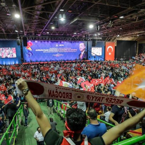 U Zetri se okupilo oko 20.000 Turaka iz zemalja Evrope