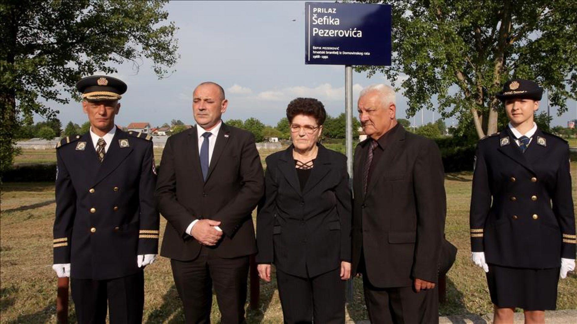 Hrvatska: Otkrivena ploča sa imenom prvog poginulog Bošnjaka u Domovinskom ratu