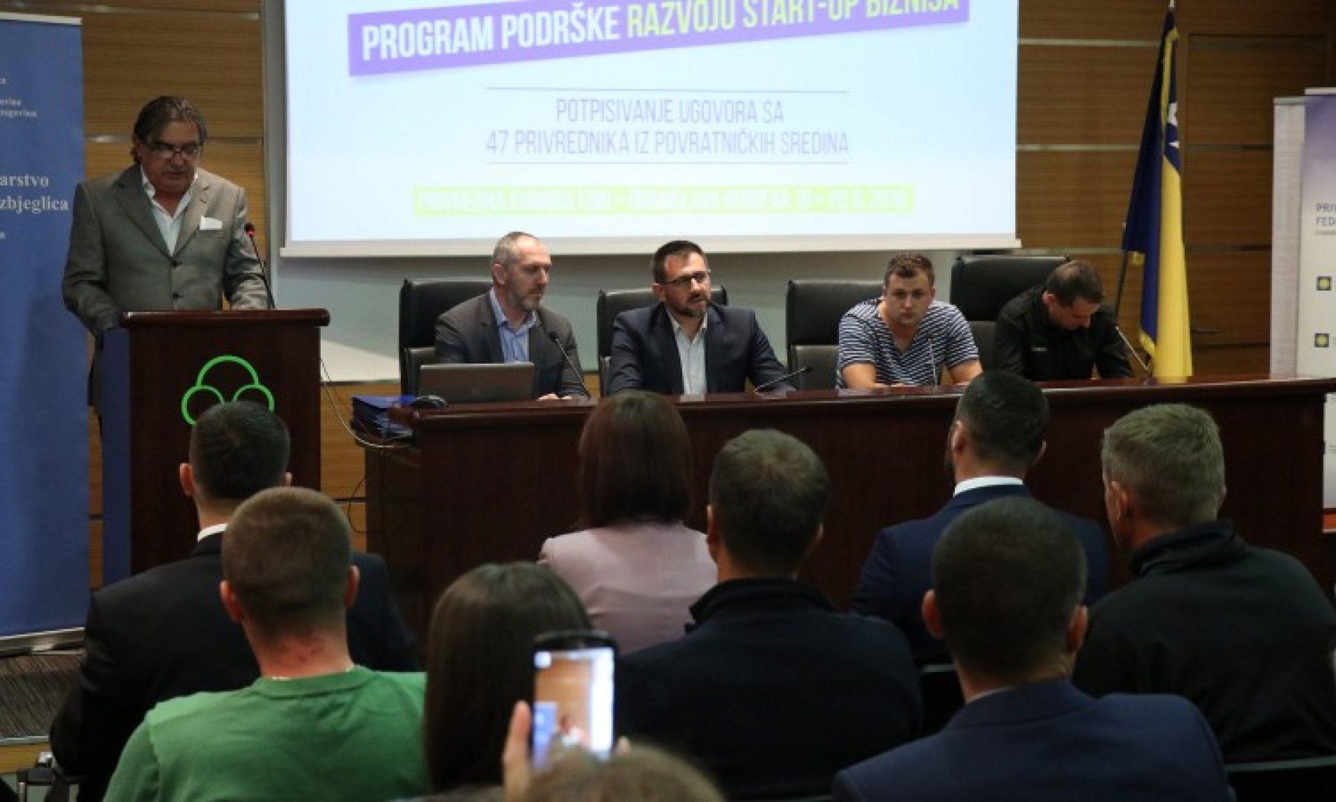 Ramić potpisao ugovore sa 47 povratnika za razvoj početnog biznisa (VIDEO)