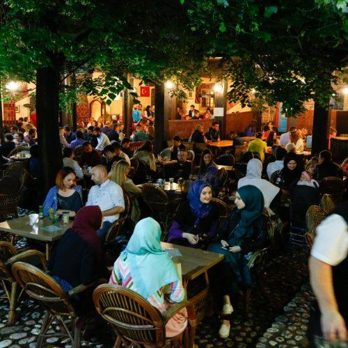 Sarajevo: Noćni život na Baščaršiji poseban je tokom ramazana