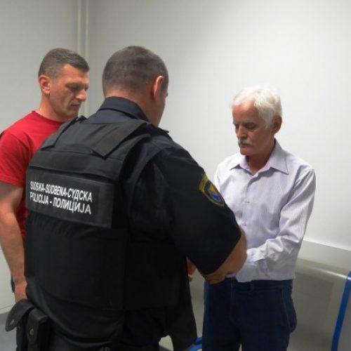 """Optuženi za """"živu lomaču"""" u Višegradu Radomir Šušnjar izručen u Bosnu i Hercegovinu"""