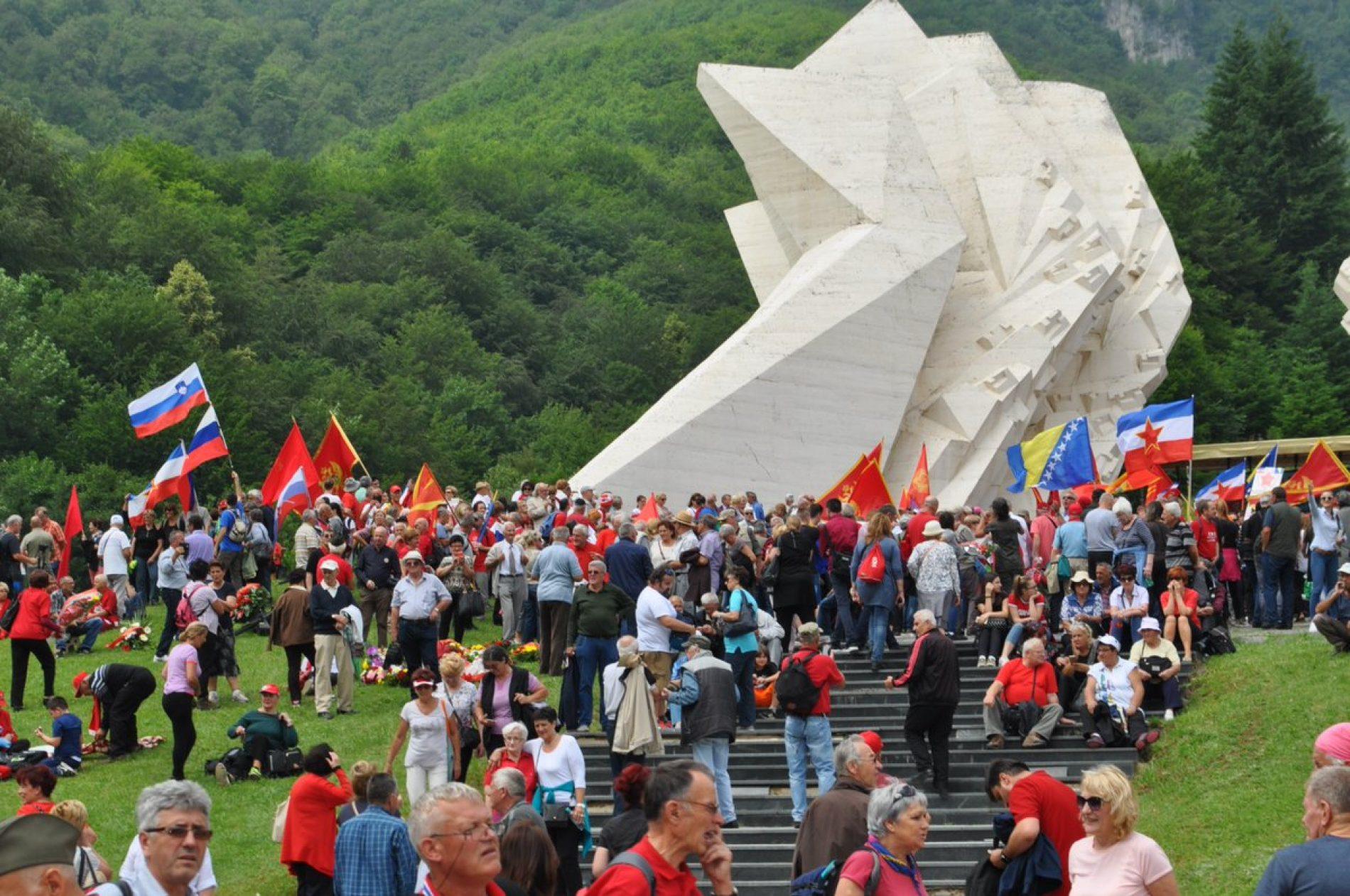 Bosanski i Crnogorski antifašisti na Tjentištu obilježili 75. godišnjicu bitke na Sutjesci