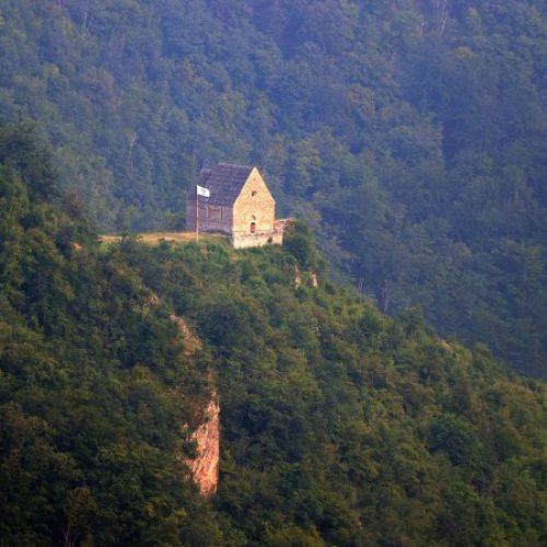 Bosanski kraljevski grad: Bobovac interesantan turistima iz cijelog svijeta (FOTO)