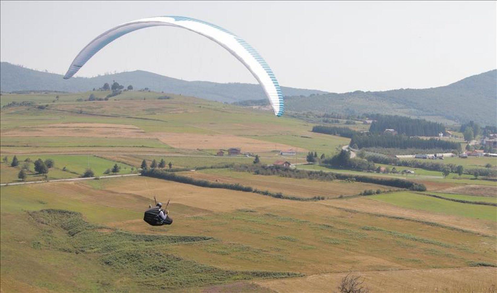 Paraglajding: Sve više stranaca dolazi u Bosnu i Hercegovinu da leti