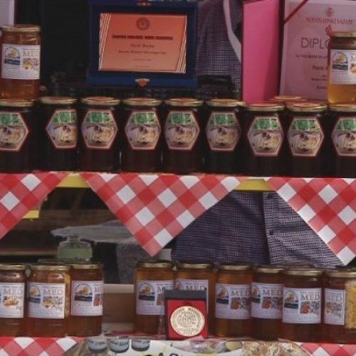 Više od 50 izlagača na sajmu pčelarstva u Tuzli (VIDEO)