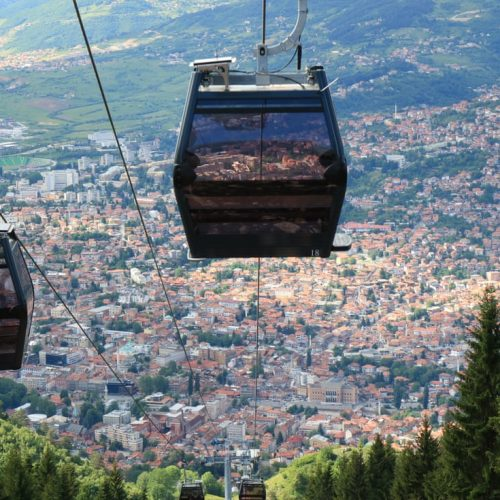THE GUARDIAN: Sarajevo, grad u kojem se Istok susreće sa Zapadom