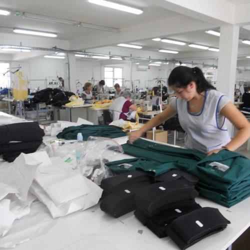 Uspješna firma: Maglajski 'Bontex' šije 50.000 komada košulja za pripadnike policije u Italiji!